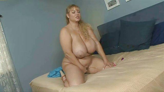 سکس واژن زیبا سکسهای حشری با دوست دختر خواب