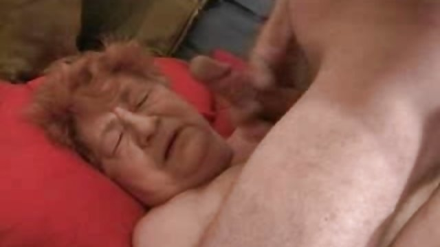 مرد در سکس فوق حشری ژاکت قرمز درخواست ماساژ وابسته به عشق شهوانی با اعتبار