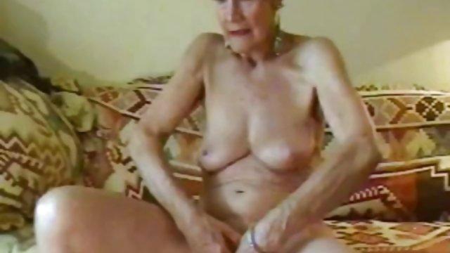 او دوست دختر خود را در حمام شسته و خشک کرد گاییدن حشری و فوراً لعنتی شد