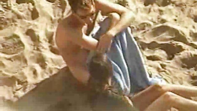 هنگام ضبط دوربین در کنار ساحل ، زوج های لعنتی را ضبط سایت سکسی حشری کردم