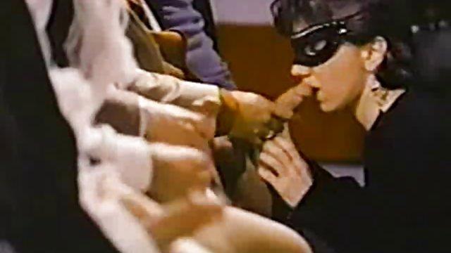 زیبایی لاغر دانلود کلیپ حشری جوان برای ماساژ آمد و یک دیک سیاه در الاغ گرفت