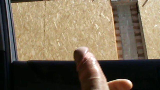 عوضی sexحشری باریک با بازی در پورنو آماتور