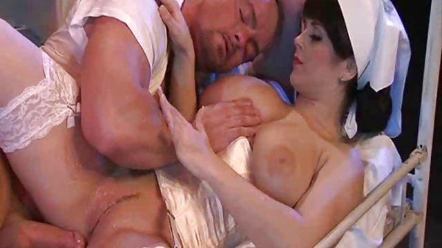 همسایه عالی اوا مردی را آرام می کند سکس عربی حشری