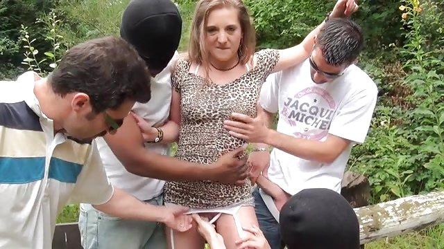 مادربزرگ حشري با یک پسر جوان رابطه جنسی داشت