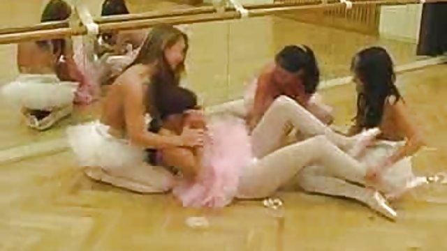 سکس گاییدن کس حشری پرشور دانش آموزان جوان روس
