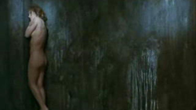 با لعنتی یک ویبراتور از حالت بیکار سکس حشری زن نجات یافت