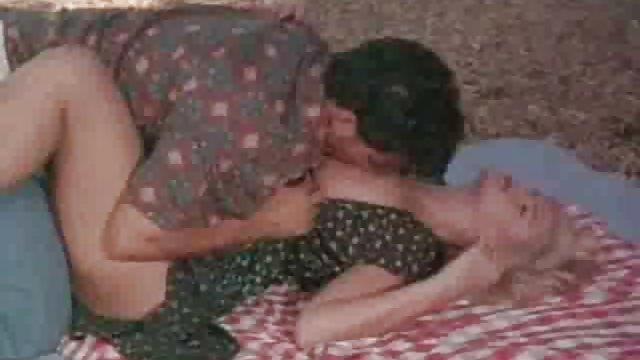 طراحی الاغ یک دختر فیلم های سکسی حشری کننده در آموزش