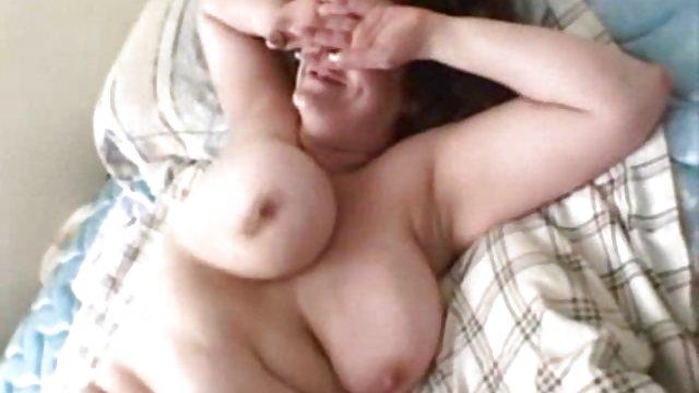 مأمور Fucks در دوربین و سکس حشری وحشی Cums در گفتگوی جوانان