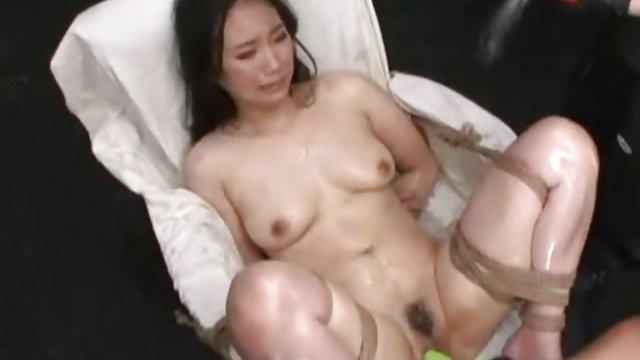 جوجه سه بار در حمام خودارضایی کرد و سکس فارسی حشری با دوربین ضبط کرد