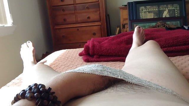 پاهای سکس حشری زن بوسه بیدار شد و تقریباً لعنتی