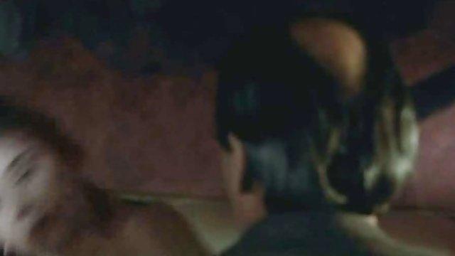 آبدار دانلود فیلم سوپر حشری نستیا با دو دوست خیره شده است