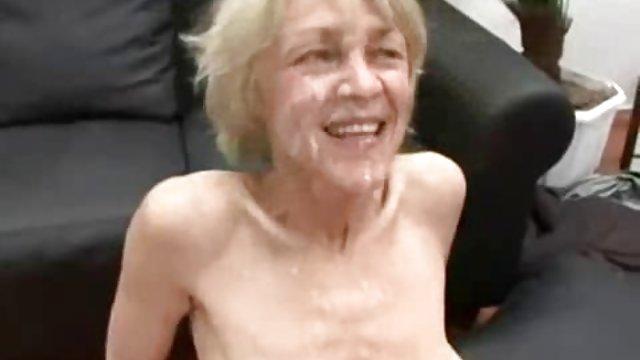 دختر با لباس سفید باعث از دست دادن سینه می شود دانلود کلیپ حشری