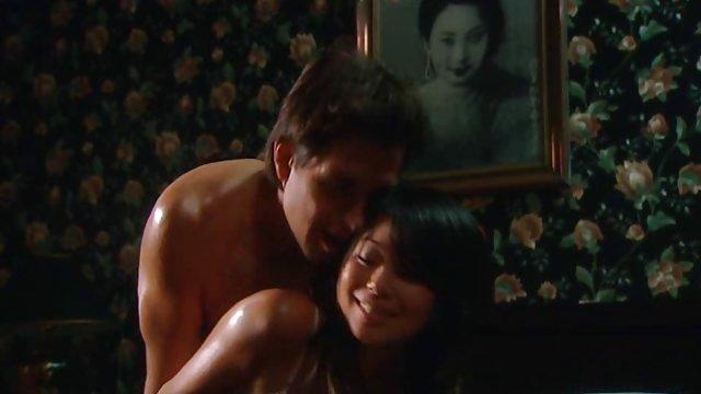 آبون به زیبایی دو دوست دختر شهوت انگیز داستان سکسی حشری جدید را فریب می دهد