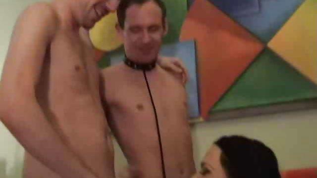 دختر بزرگ مشاعره تقریبا یک دوربین مخفی را حشری سکس به پایین زد